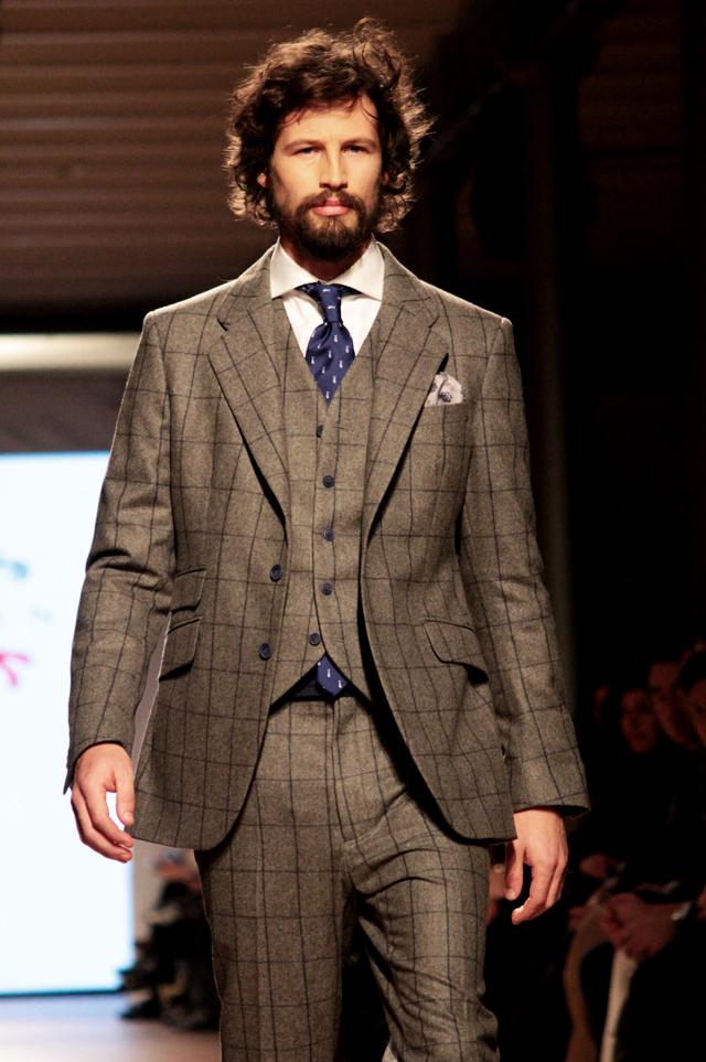Plaid Brown Suit | My Dress Tip