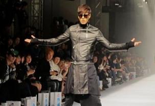 D.Gnak at Seoul Fashion Week