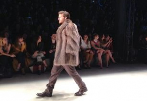 Mercedes Benz Fashion Week Istanbul: Hakan Akkaya