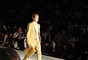 Mercedes Benz Fashion Week Madrid: Return of the Suit