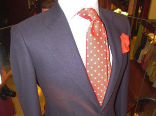 Suit-Shopping-Made-Easy-at-Knack-Men-1