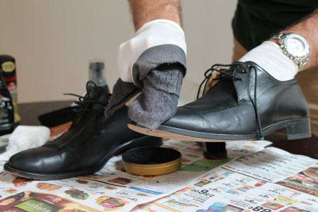 How to strip boot polish