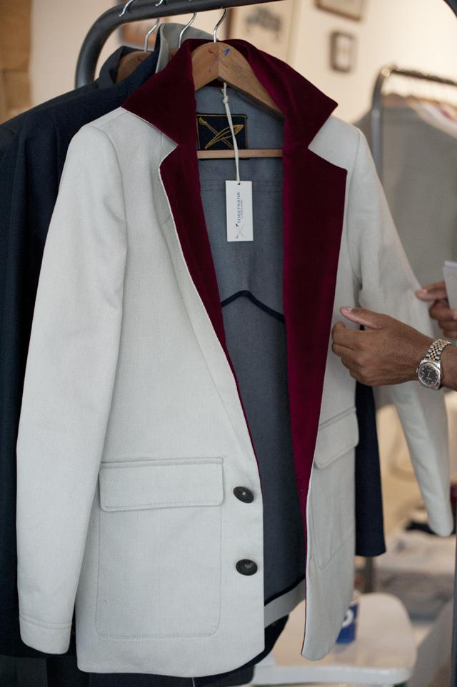 TOBEFRANK blazer with velvet lining