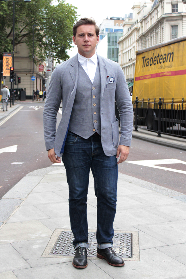 Allen Leech, who plays the chauffer Tom Branson on Downton Abbey spotted outside of the Oliver Spencer catwalk, wearing of course, Oliver Spencer!