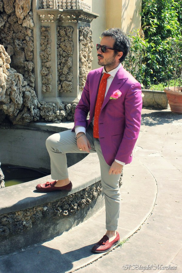 Andrea from Florence sports a pochette and tie from Calabrese 1924, sunglasses from Boca MMXII, pants from Heaven Two, shoes from Fratelli Rossetti, a blazer from Sartoria Rossi and a bracelet from Quinto Ego