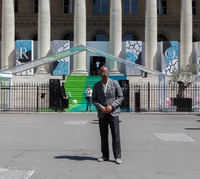 Alton spotting casual chic in front of the old Paris Stock Market made into the venue of the Paris fashion trade show