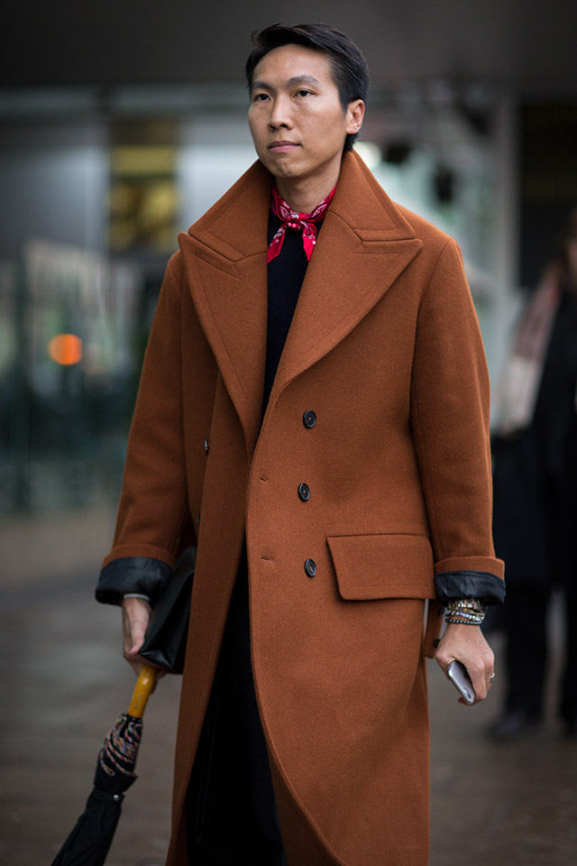 We are swooning over this rich copper coat spotted in London. Photo courtesy of Darrel Hunter.