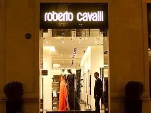 Roberto_Cavalli_boutique_in_Baku fe