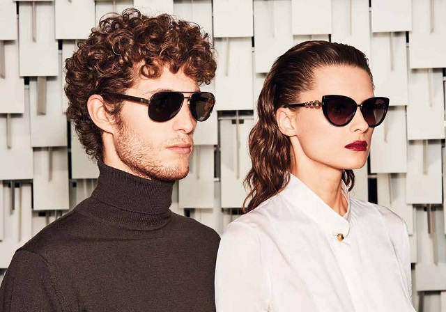 Iconic turtleneck II with aviator sunglasses.